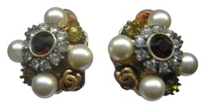Chanel CC Logo Gold Pearl Crystal Cluster Gripoix Camellia Flower 05A Clip On