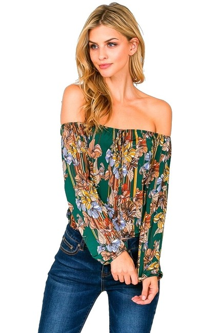 Item - Green Off-shoulder (Medium) Blouse Size 8 (M)
