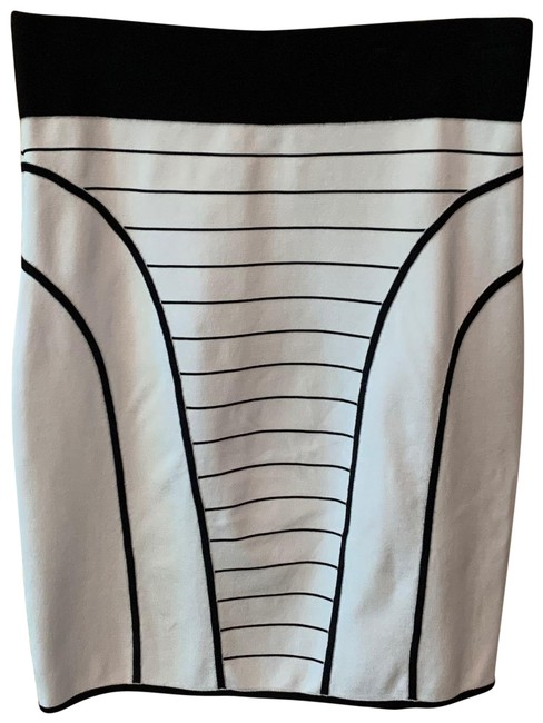MILLY White and Black Rayon Doubleknit Pencil Skirt Size 12 (L, 32, 33) MILLY White and Black Rayon Doubleknit Pencil Skirt Size 12 (L, 32, 33) Image 1