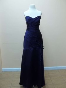 Alfred Angelo Eggplant Satin 514 Formal Bridesmaid/Mob Dress Size 6 (S)