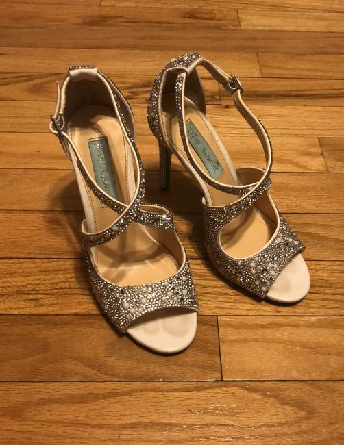 Item - Silver Cross Strap Peep Toe Pumps Size US 5.5 Regular (M, B)