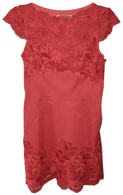 Item - Red Lace Mid-length Cocktail Dress Size 8 (M)