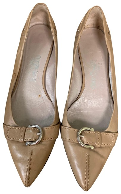 Salvatore Ferragamo Beige Ballet 8.5b Gold Metallic Driving Flats Size US 8.5 Regular (M, B) Salvatore Ferragamo Beige Ballet 8.5b Gold Metallic Driving Flats Size US 8.5 Regular (M, B) Image 1