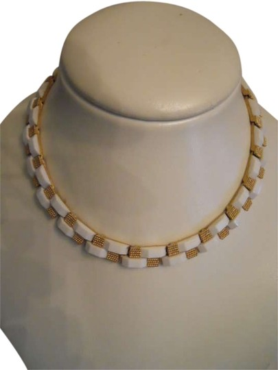Preload https://img-static.tradesy.com/item/275252/trifari-gold-and-white-choker-necklace-0-0-540-540.jpg