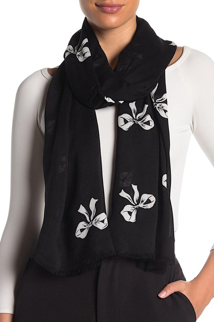 Item - Black/White with Tag Black/White New Bow Print Oblong Scarf/Wrap