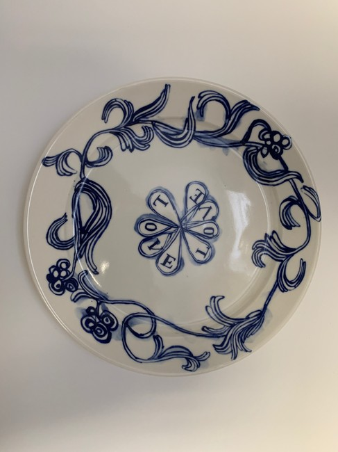 """Item - White and Blue Ceramic """"love"""" Catch All/Plate Decoration"""
