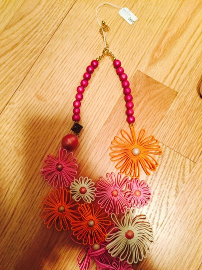 Other New Flower Power Necklace