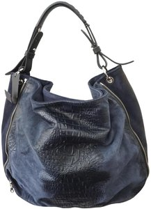 Tylie Malibu Tea Length Textured Textured New With Suede Shoulder Bag