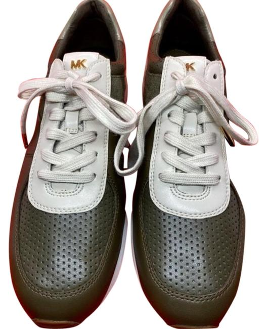 Item - Green White Sporty Chic Allie Sneakers Size US 9 Regular (M, B)