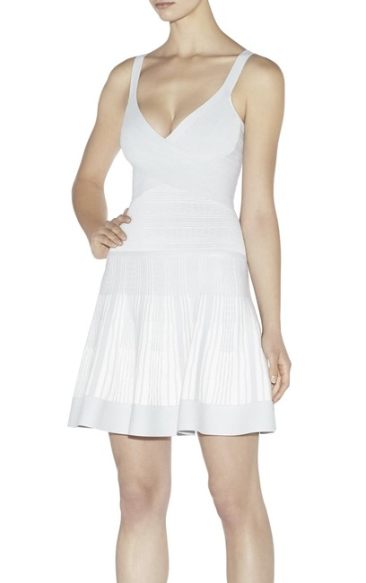 Item - White Thana Alabaster Textured Jacquard Yarn Short Night Out Dress Size 2 (XS)