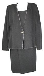 St. John ST. JOHN EVENING EMBELLISHED TRIM 3-PC. BLACK KNIT SKIRT SUIT 10