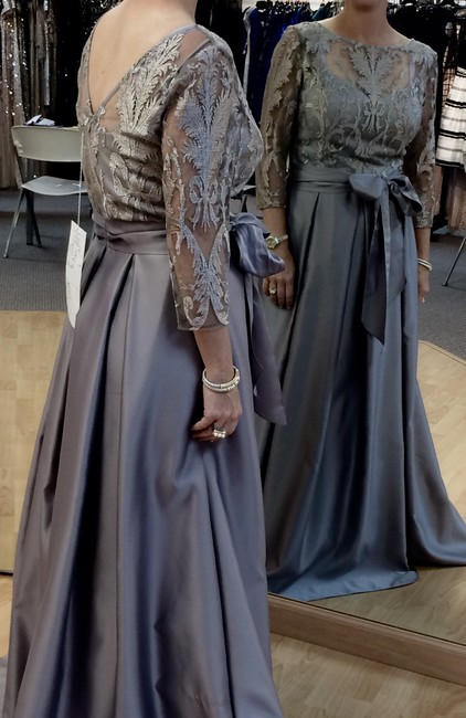 Alex Evenings Gray Satin Embroidered Lace Gown Feminine Bridesmaid/Mob Dress Size 8 (M) Alex Evenings Gray Satin Embroidered Lace Gown Feminine Bridesmaid/Mob Dress Size 8 (M) Image 1