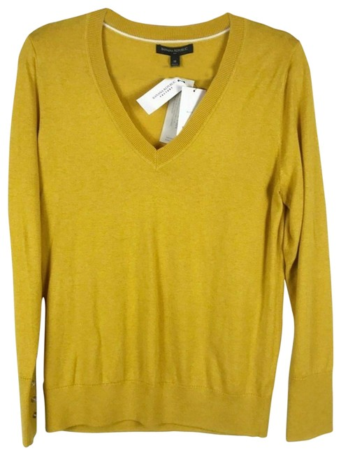Preload https://img-static.tradesy.com/item/27539615/v-neck-wool-cashmere-blend-mustard-sweater-0-1-650-650.jpg