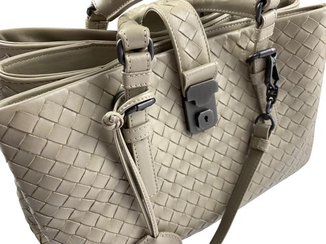 Bottega Veneta Roma Medium Light Grey Leather Satchel Bottega Veneta Roma Medium Light Grey Leather Satchel Image 1