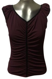 Max Studio Fitted Top maroon with black