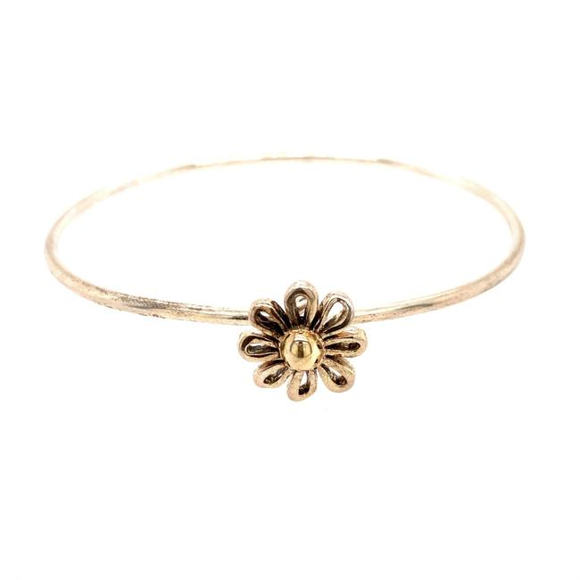 Item - Silver T Daisy Bangle Bracelet