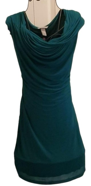Item - Green H & M Mid-length Cocktail Dress Size 12 (L)