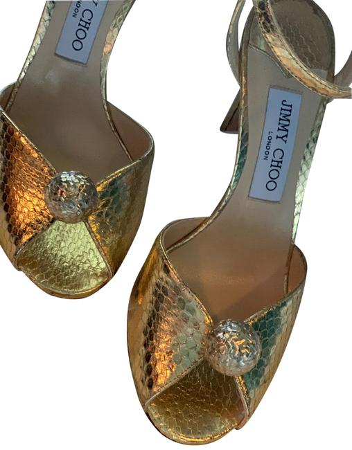 Item - Gold Sandals Size US 7.5 Regular (M, B)