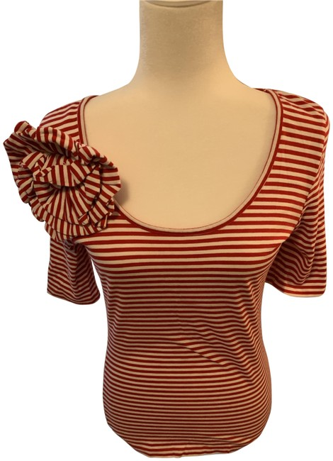 Item - Red and White Tee Shirt Size 8 (M)