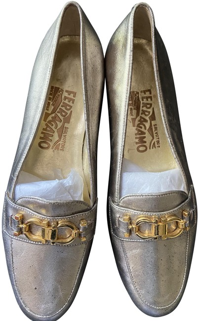 Item - Silver/Gold Loafers Flats Size US 6.5 Regular (M, B)
