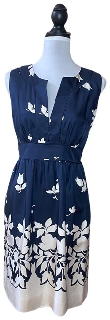 Item - Blue and White Floral Navy Silk Mid-length Cocktail Dress Size 6 (S)