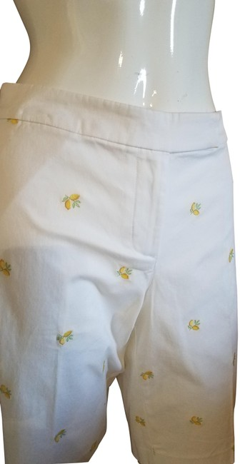 Item - White Embroidered Shorts Size Petite 12 (L)