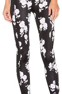 Kate Spade & Beyond Yoga BLACK AND GRAY FLORAL Leggings