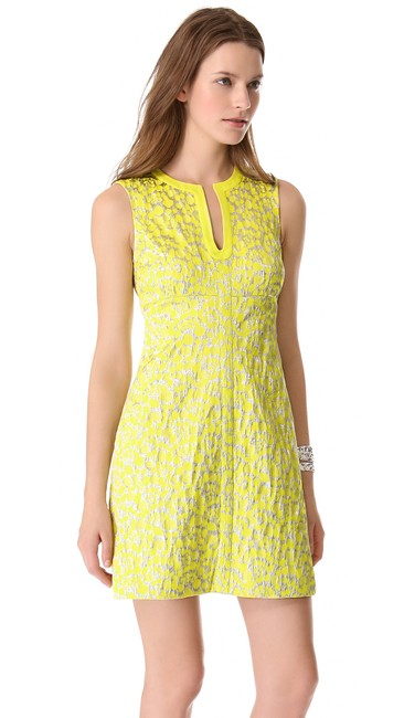 Item - Metallic Yellow and Silver Sandine Jaquard Short Night Out Dress Size 8 (M)