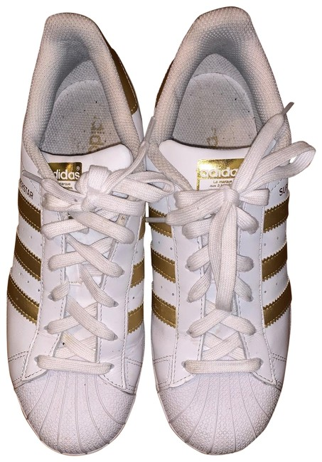 Item - White and Gold Superstar Sneakers Size US 8 Regular (M, B)