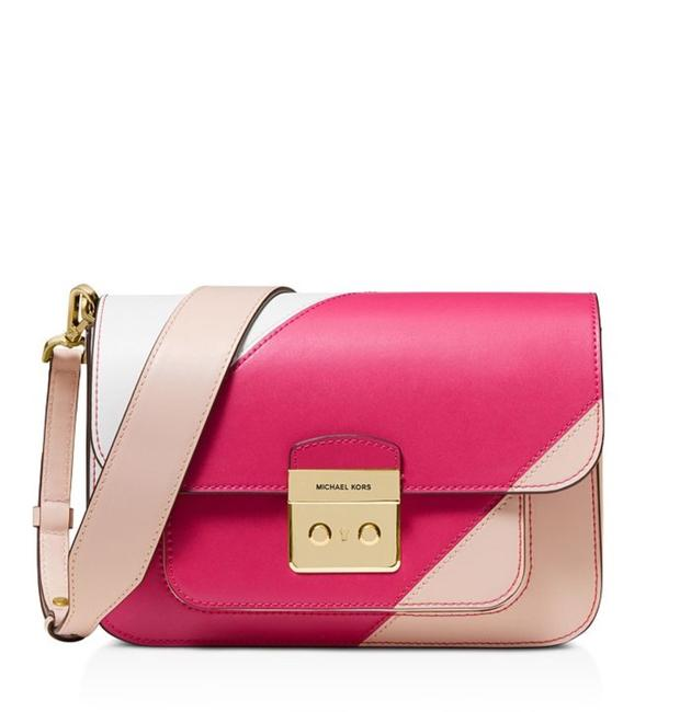 Item - Sloan Editor Shoulder Pink/White Cross Body Bag