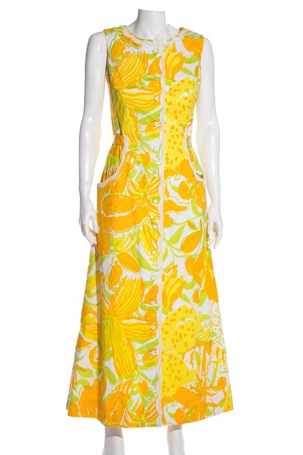 Item - Yellow Multi Sleeveless Floral Mid-length Cocktail Dress Size 4 (S)