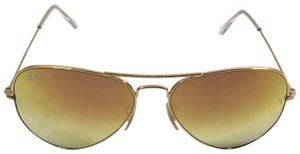 Ray-Ban Ray Ban Aviator Classic Gradient Sunglasses RB3025 in Gold and Pink