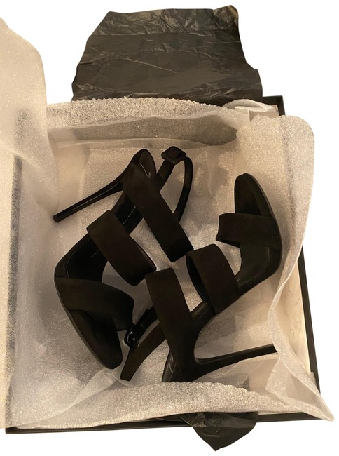 Item - Thick Strap Pumps Size US 8.5 Regular (M, B)