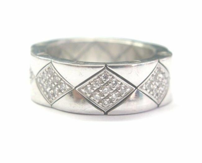 Item - White Gold 18kt Quilted Natural Diamond Band Size 6.5 Ring