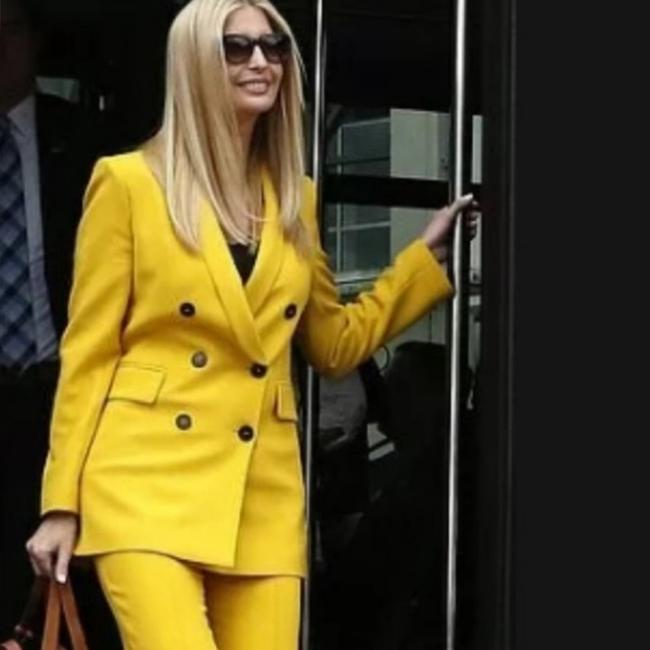Item - Yellow With Buttons Blazer Size 2 (XS)