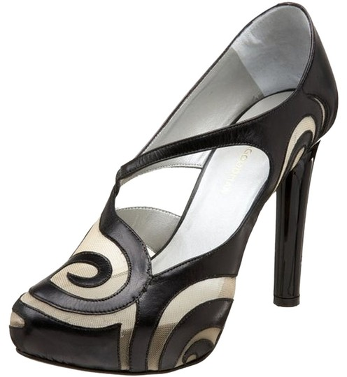Preload https://item5.tradesy.com/images/georgina-goodman-blackcream-pumps-size-us-85-regular-m-b-2757559-0-0.jpg?width=440&height=440
