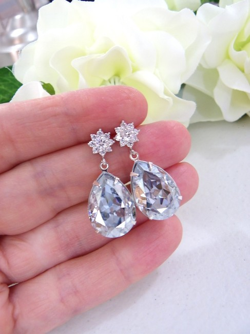 Item - Blue Shade Antique Crystal Pale Earrings