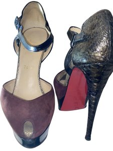 Christian Louboutin Heels Bottoms Suede Black, Red and Purple Pumps