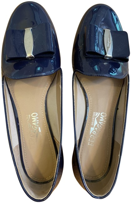 Item - Navy Loafer Flats Size US 8.5 Regular (M, B)