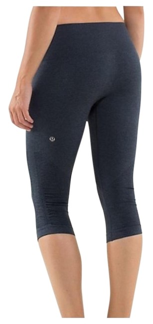 Item - Navy Seamless In The Flow Leggings Activewear Bottoms Size 6 (S, 28)