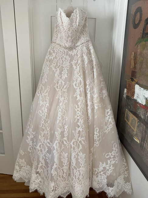 Item - Ivory Strapless Sweetheart Lace Ball Gown Formal Wedding Dress Size 10 (M)