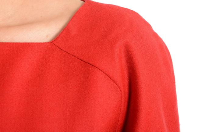 John Galliano Coral Red Women's Wool 3/4 Sleeve Flare Mid-length Short Casual Dress Size 8 (M) John Galliano Coral Red Women's Wool 3/4 Sleeve Flare Mid-length Short Casual Dress Size 8 (M) Image 4