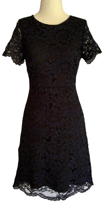 Preload https://img-static.tradesy.com/item/27585289/tahari-blue-floral-lace-over-the-knee-sheath-mid-length-cocktail-dress-size-0-xs-0-1-650-650.jpg