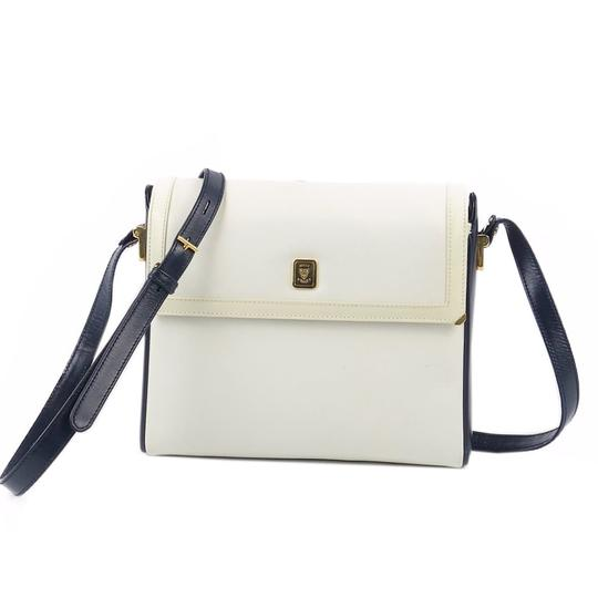Preload https://img-static.tradesy.com/item/27585855/gucci-crossbody-old-leather-interlocking-vintage-navy-off-white-white-shoulder-bag-0-0-540-540.jpg