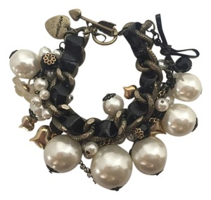 betsey Johnson Betsey Johnson Chunky Statement Faux Pearl Bracelet
