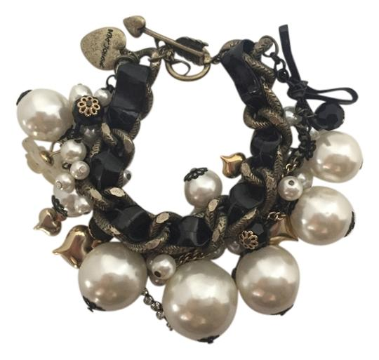 Preload https://item5.tradesy.com/images/betsey-johnson-black-and-white-chunky-statement-faux-pearl-bracelet-2758639-0-0.jpg?width=440&height=440