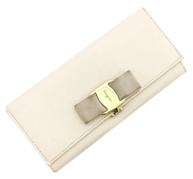 Item - White / Yellow Short Bi-fold Gold Hardware Leather Vala Ribbon Flap Clip Women's Long Fashionable Wallet