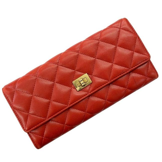 Item - Red Color Matelasse 13 Series Double Fold Leather Lambskin Ladies Stitch Flap Vintage Antique Turnlock Wallet