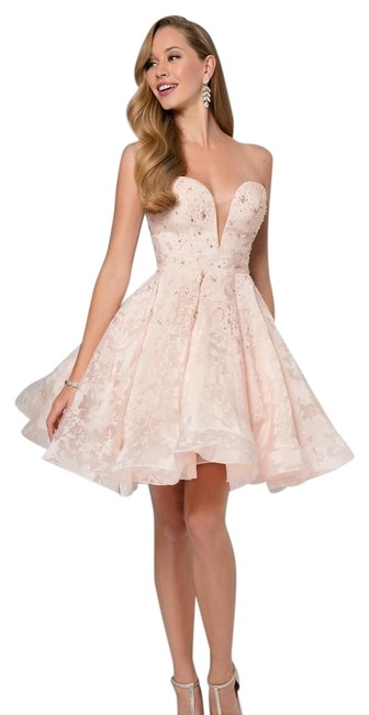 Item - Blush 1711p2253/ Short Formal Dress Size 14 (L)
