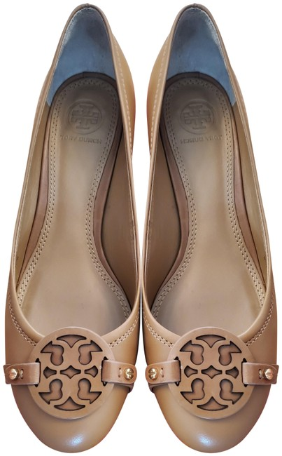 Item - Brown Chelsea 50mm Pumps Size US 7 Regular (M, B)